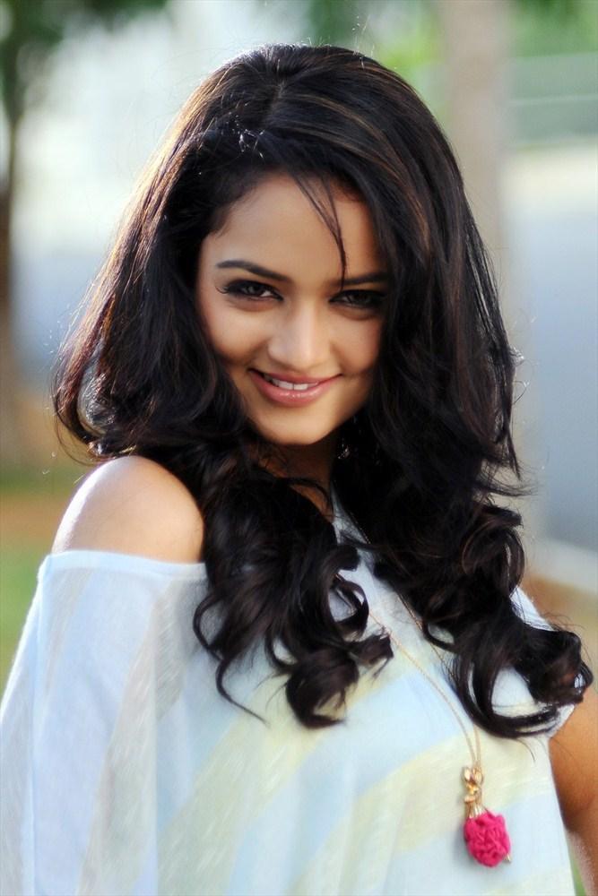 Shanvi Sweet Sexy Look Pic In Adda