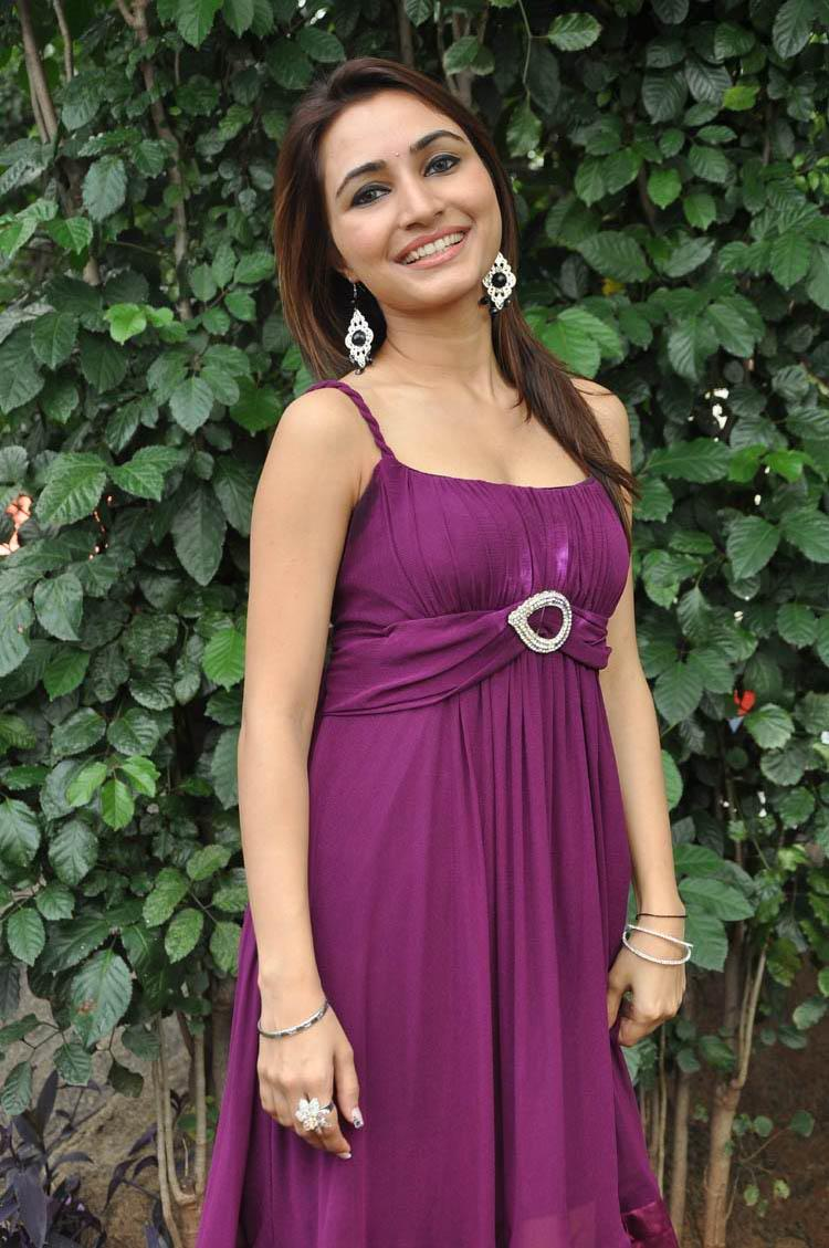 Telugu Heroine Dhriti at NSR Films New Movie Launch Event