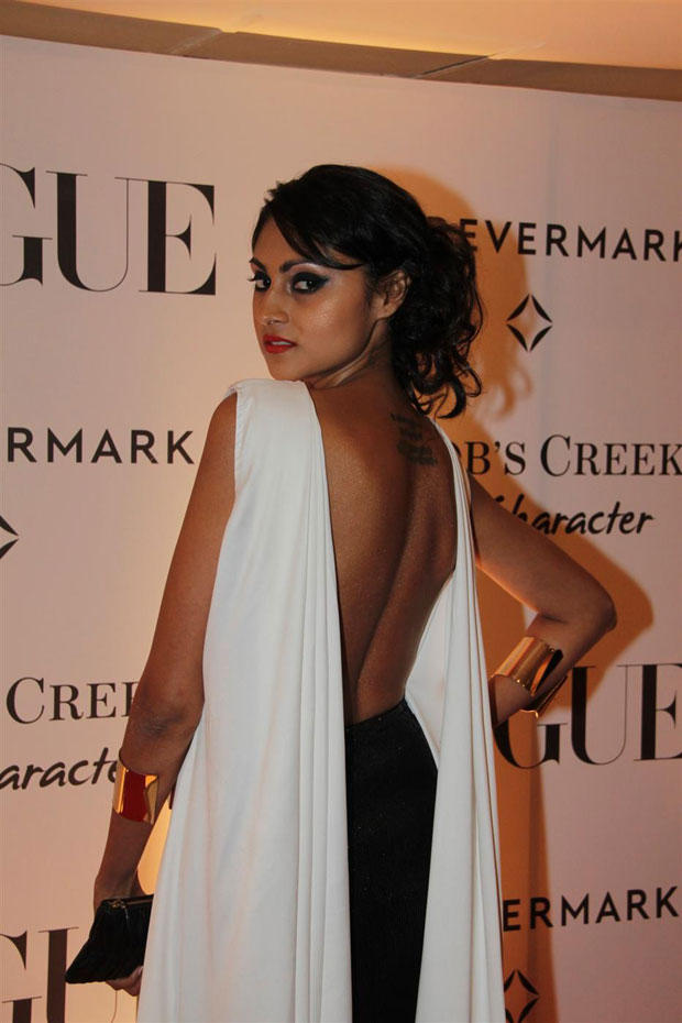 Hot Babe Sexy Back Exposing Still During Vogue India 5th Anniversary Bash