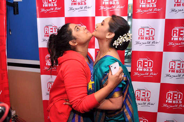 Rani Mukherjee and RJ Malishka Sexy Pose At The Promotional Event Of Aiyyaa