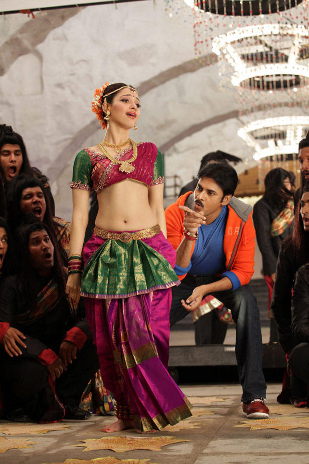 Pawan and Tamanna Hot Dance Pic In Cameraman Gangatho Rambabu Movie