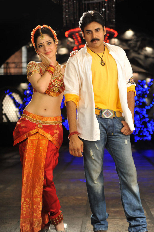 Pawan and Tamanna Sexy Hot Pose In Cameraman Gangatho Rambabu Movie
