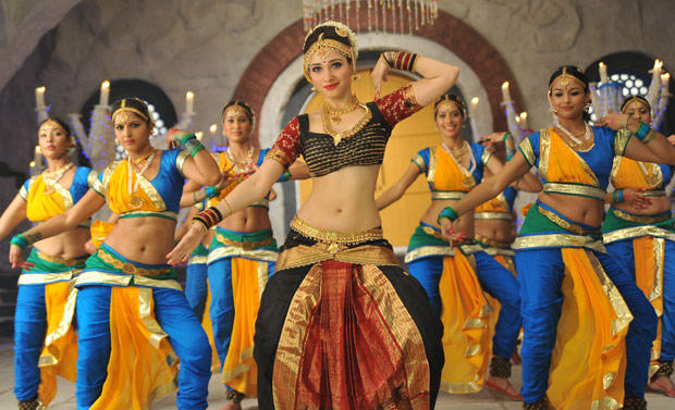 Tamanna Bhatia Latest Dance Still In Cameraman Gangatho Rambabu Movie
