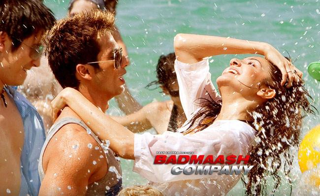 Anushka Sharma and Shahid Kapoor Sexy Still In Badmaash Company