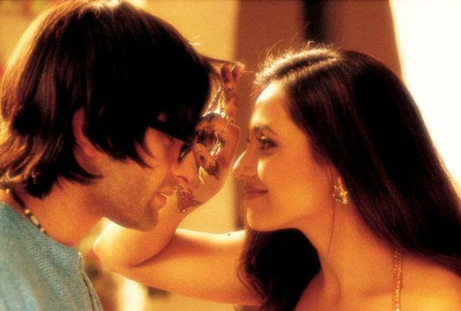Rani Mukherjee and Saif Ali Khan Cute Still In Hum Tum