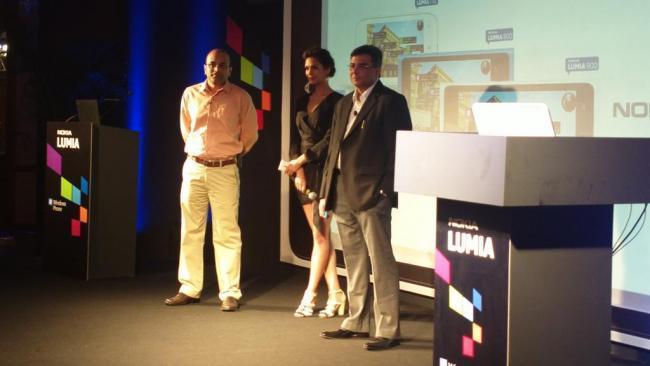 Esha Gupta At The Launch Of Nokia Lumia Phone