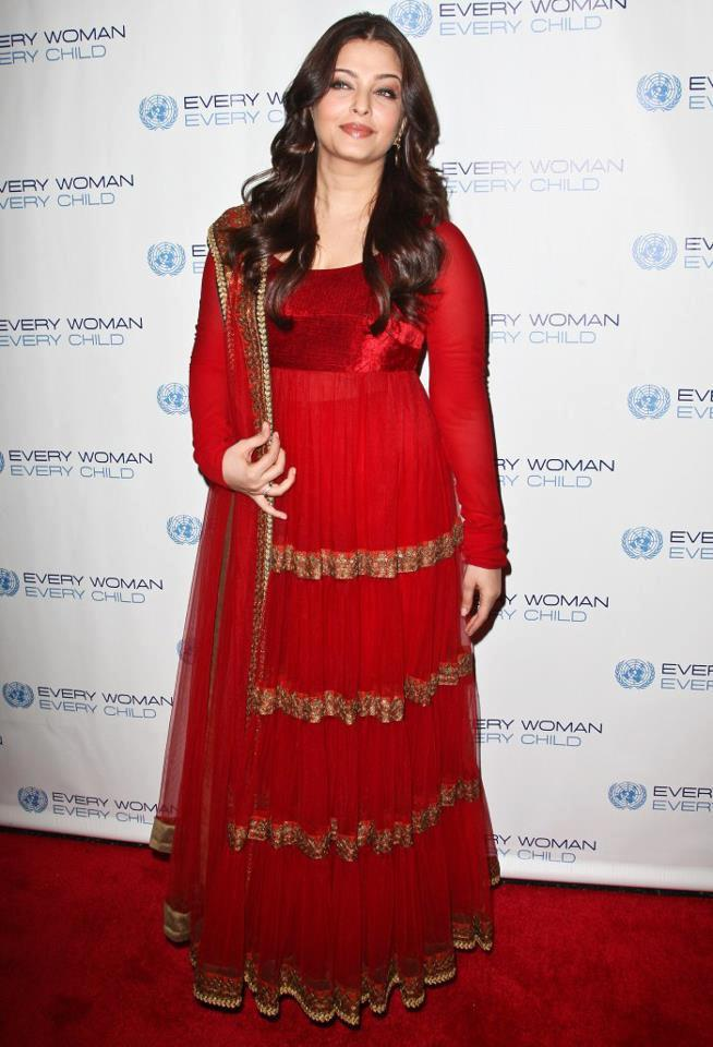 Aishwarya Looking Beautiful In This Dress at Every Woman Every Child Charity Dinner