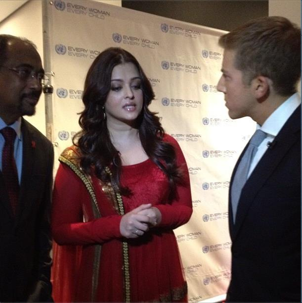 Aishwarya Rai Bachchan During The Every Woman Every Child Charity Dinner