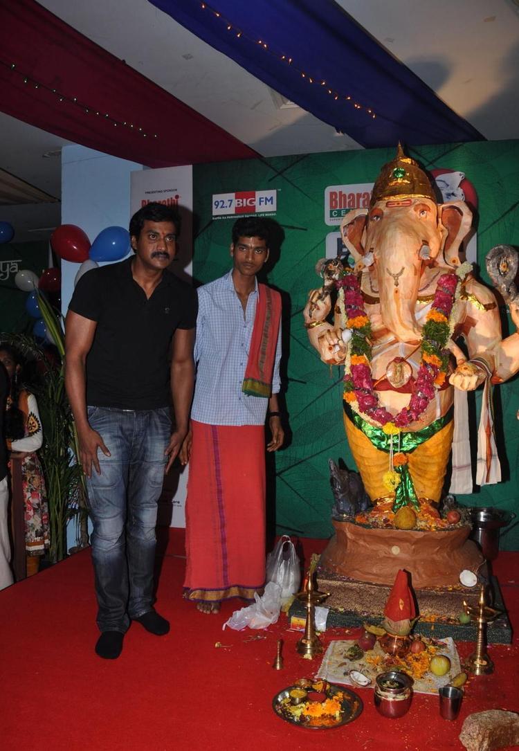 Actor Sunil at Big Green Ganesha 2012 Imax