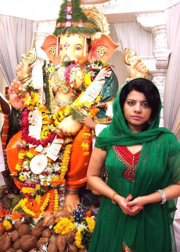 Shraddha Sharma at Andheri Cha Raja Ganpati Pandal