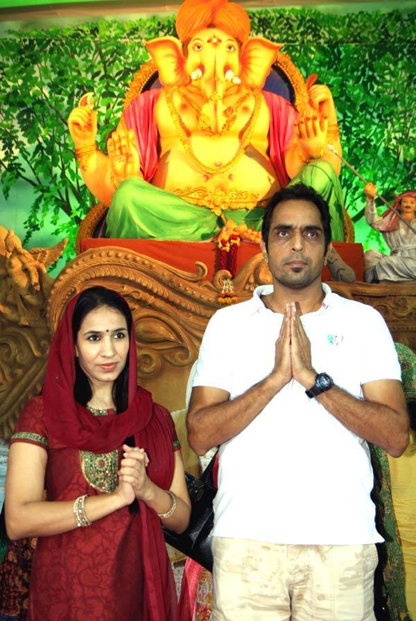 Sonalika and Vishwajeet Pradhan at Ganpati Pandal