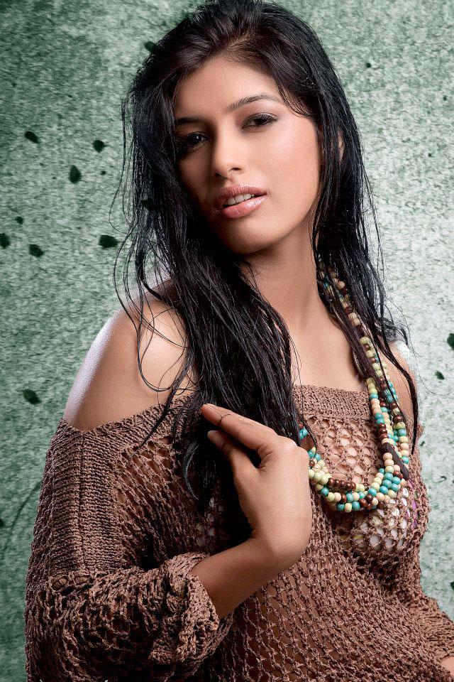 Divya Bhandari Wet Hair Hot Photo