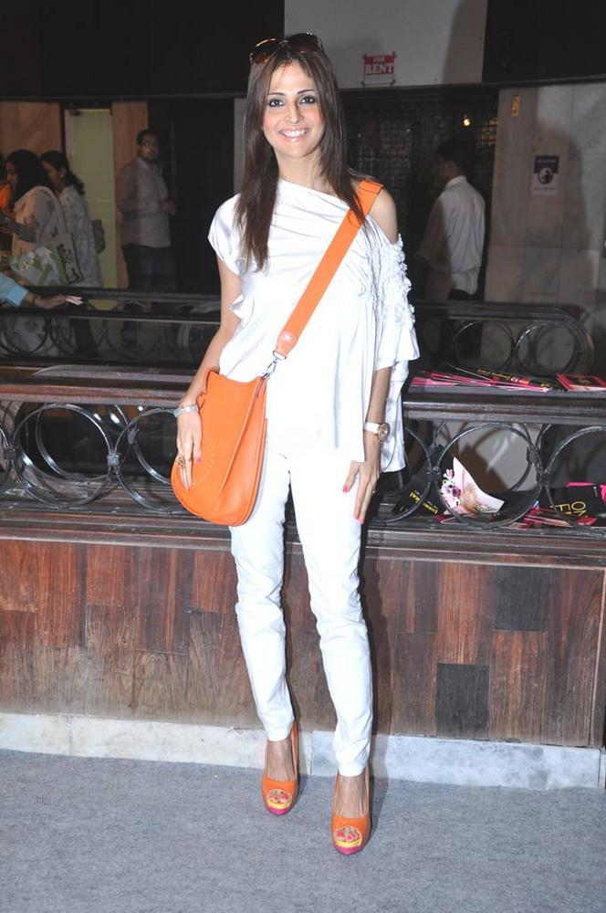 Tanaaz Doshi Spotted At Sahachari Foundation Annual Shopping Festival