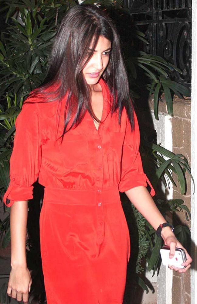 Anushka Sharma In Orange Dress At Ranbir Kapoors 30th birthday bash