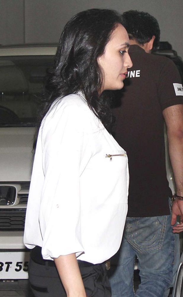 Jaanvi Dhawan Spotted At Ranbir Kapoors 30th Birthday Bash