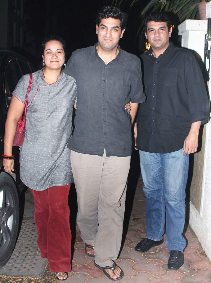 Kunal With Wife Shayonti And Siddharth At Ranbir Kapoors 30th Birthday Bash