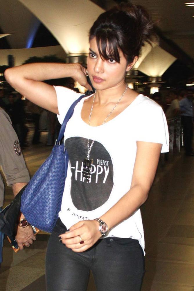 Priyanka Chopra Spotted at Mumbai International Airport