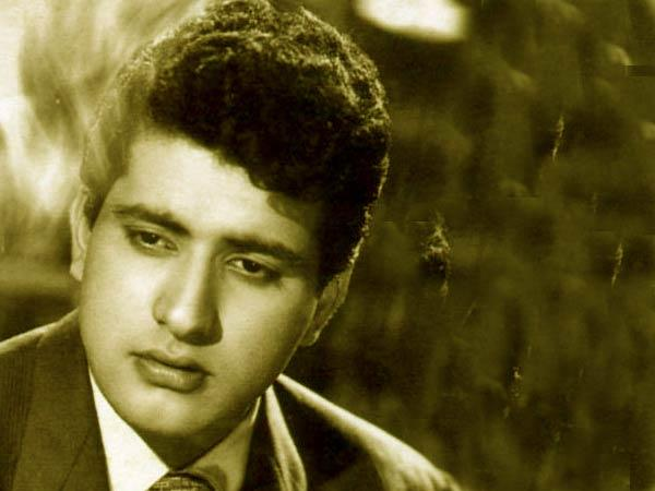 Yesteryear Handsome Star Manoj Kumar Nice Pic