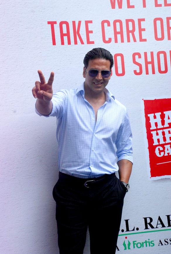 Akshay Kumar at Happy Heart Carnival in S L Raheja Hospital