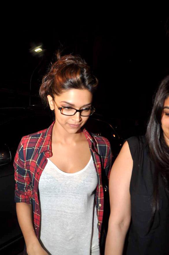 Deepika Padukone at Kapoor's House To Celebrate Ranbirs 30th Birthday Bash