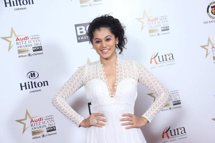 Hot Babe Taapsee Pannu at Audi Ritz Icon Awards 2012