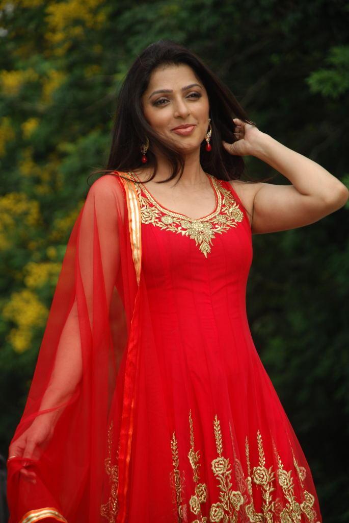 Bhumika Chawla Looking Beautiful in Red Georgette Sleeve Less Long Kameez