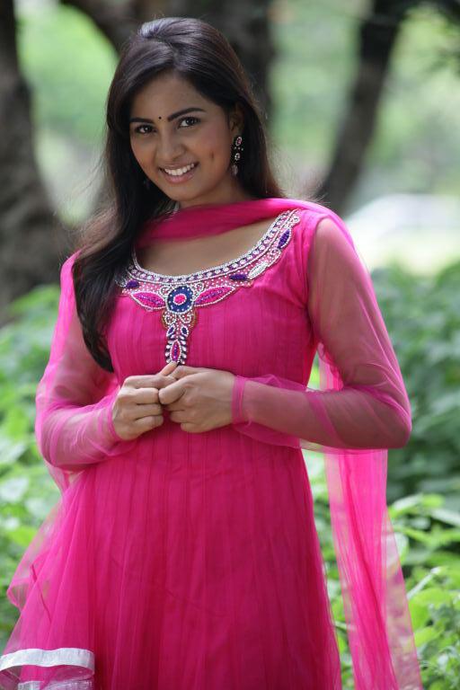 Srushti Sweet Sizzling Still In April Fool Telugu Movie
