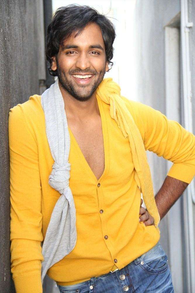 Vishnu Smiling Pic In Denikaina Ready Movie Still