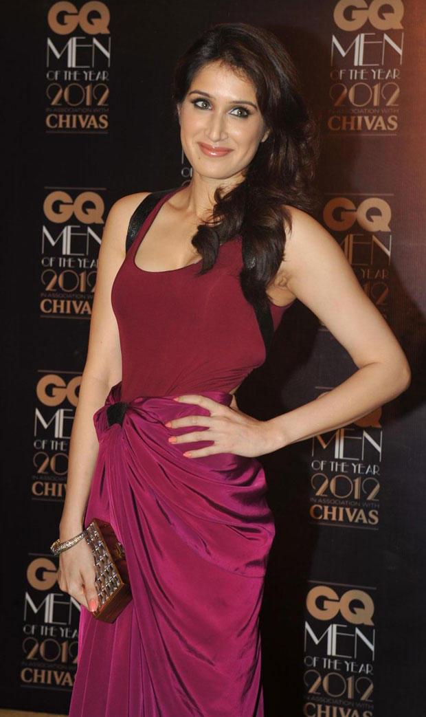 Sagarika Ghatge In A Purple Gown at GQ Men Awards 2012