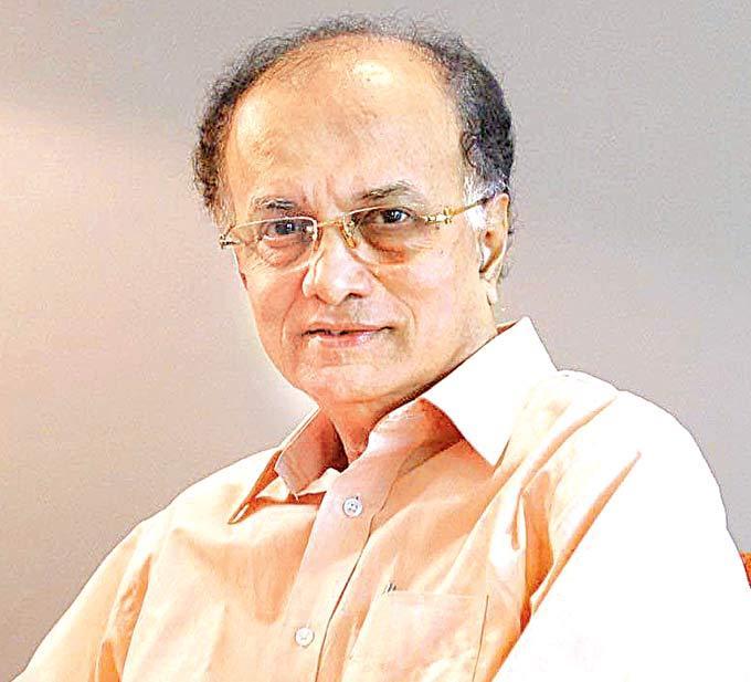 Dilip Prabhavalkar Plays Gandhi Role In Lage Raho Munnabhai