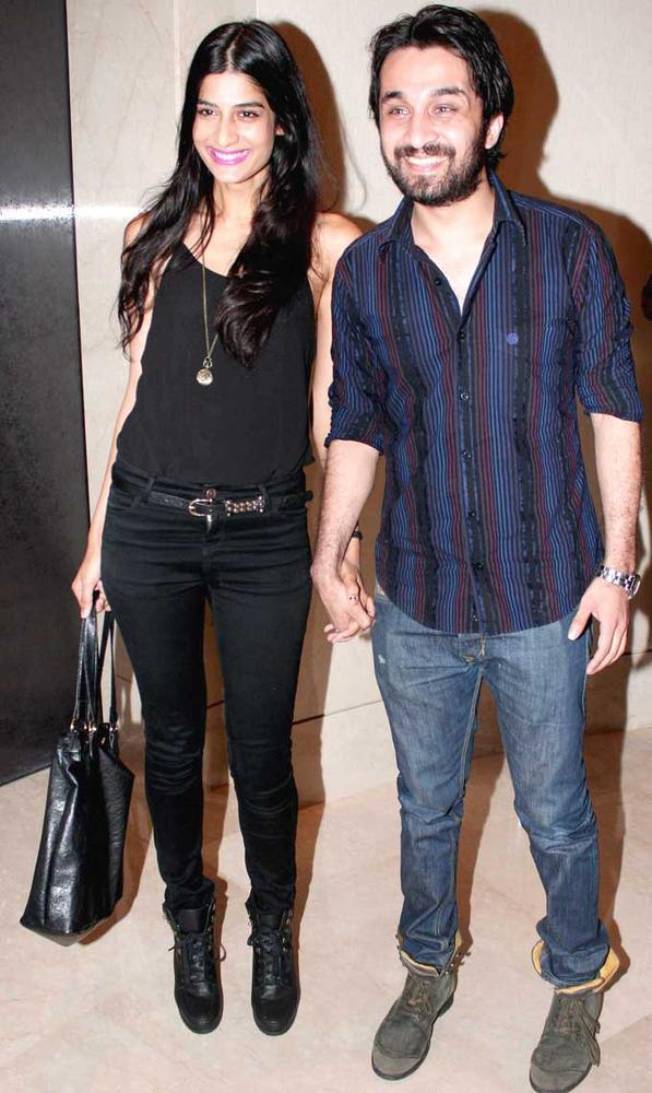 Siddhant Kapoor With Friend Attended The Elle Beauty Awards 2012