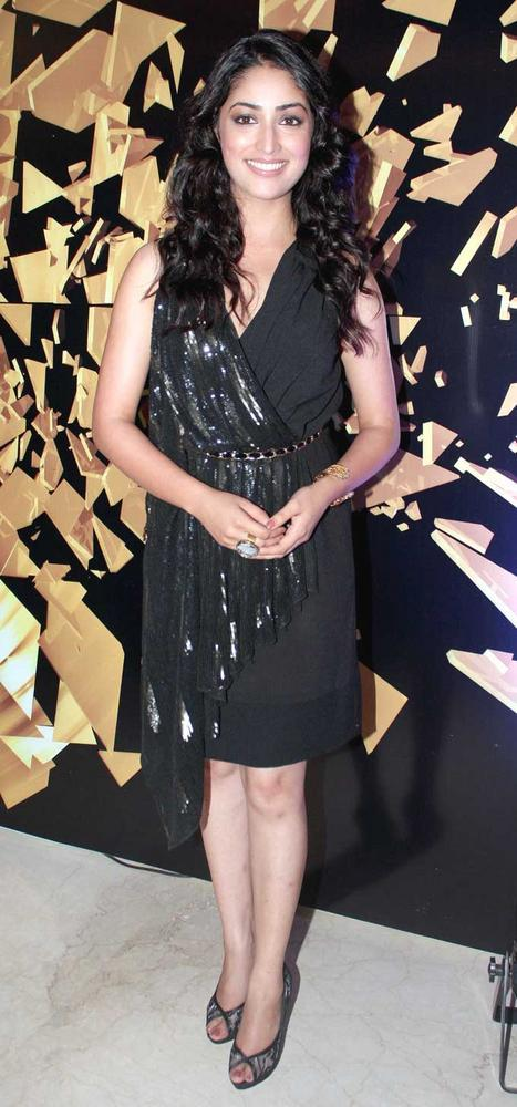 Yami Gautam in Namrata Joshipura at Elle Beauty Awards 2012