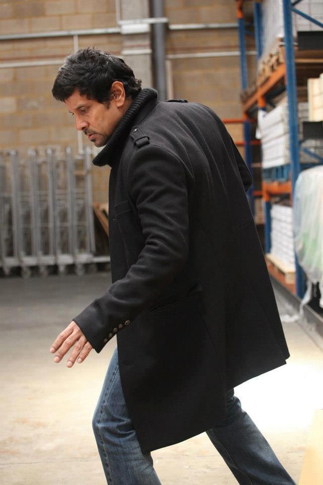 Vikram Action Still In Thandavam Movie
