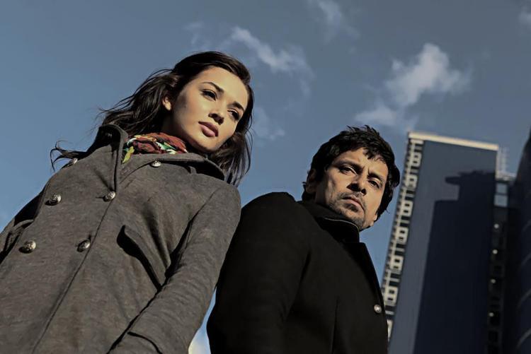 Vikram and Amy Latest Still In Telugu Movie Thandavam