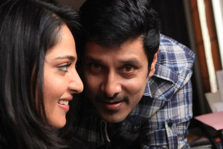 Vikram and Anushka Shetty Nice and Sweet Still In Thandavam Movie