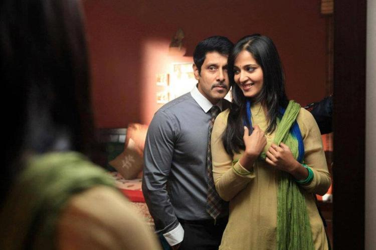 Vikram and Anushka Shetty Romance In Thandavam Movie