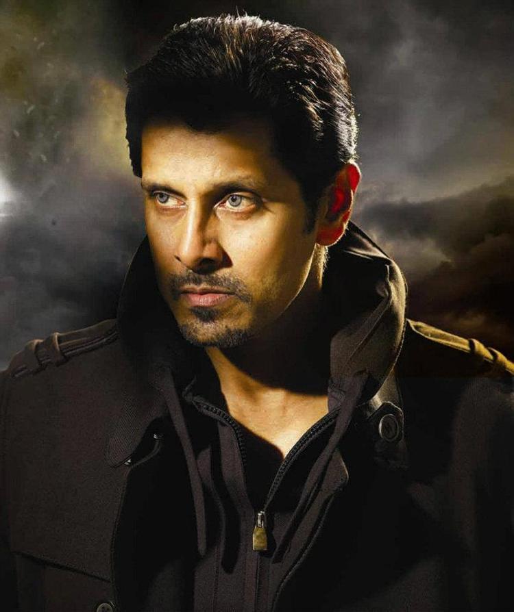 Vikram Hot Look In Thandavam Movie