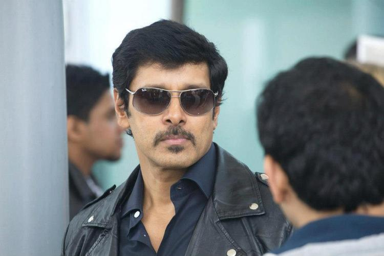 Vikram Look For Upcoming Movie Thandavam