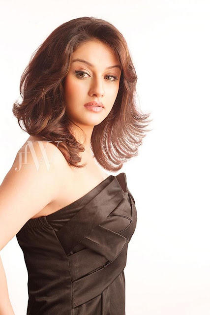 Sonia Agarwal Hot Photoshoot For JFW Magazine