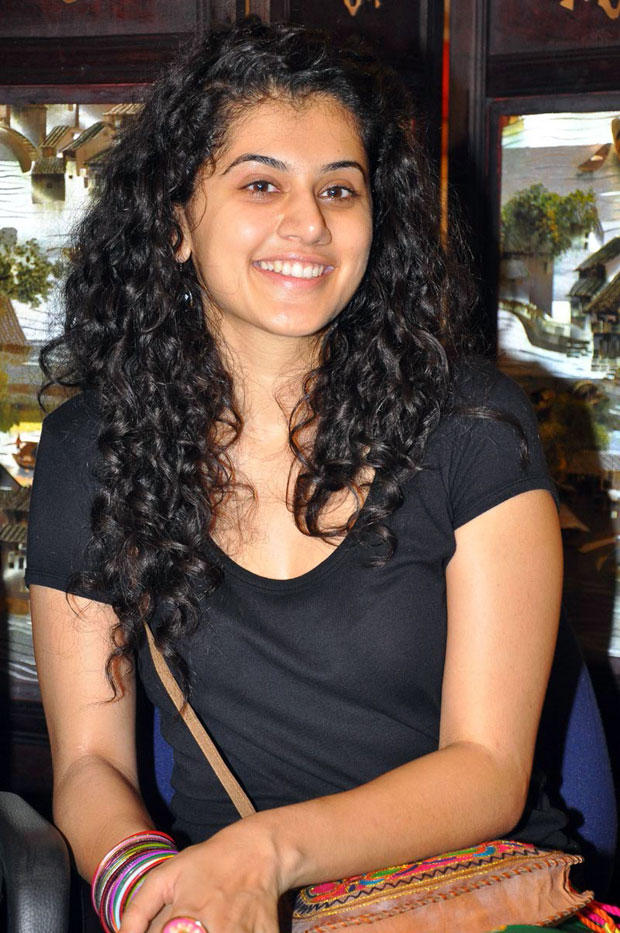Curly Hair Beauty Taapsee Pannu Cute Smile Face Look Photo Shoot