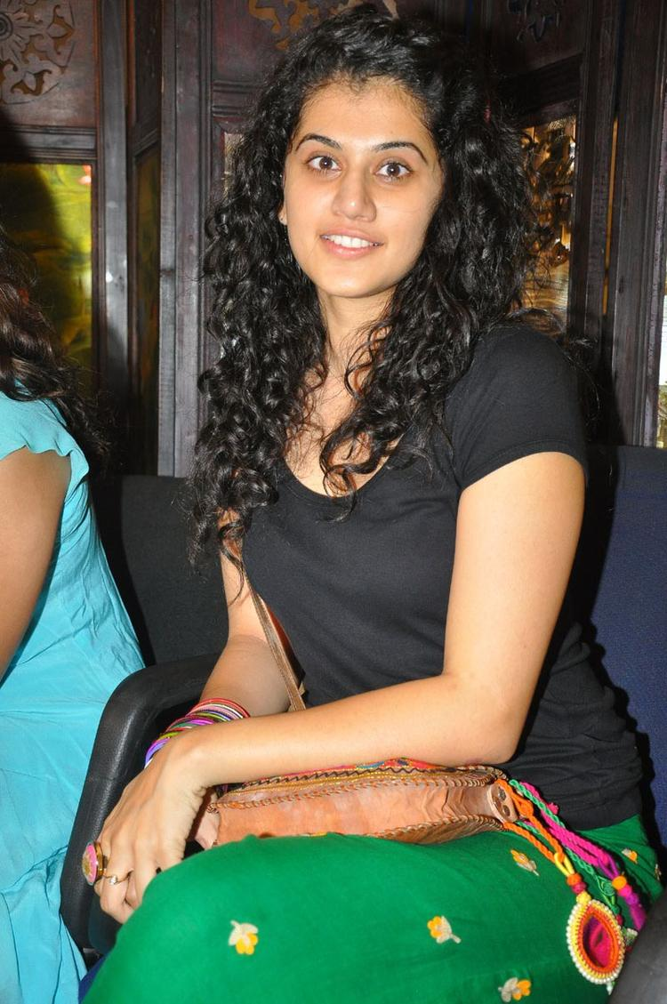 Taapsee Pannu Cute Stunning Face Still at The Press Meet Of Gundello Godari