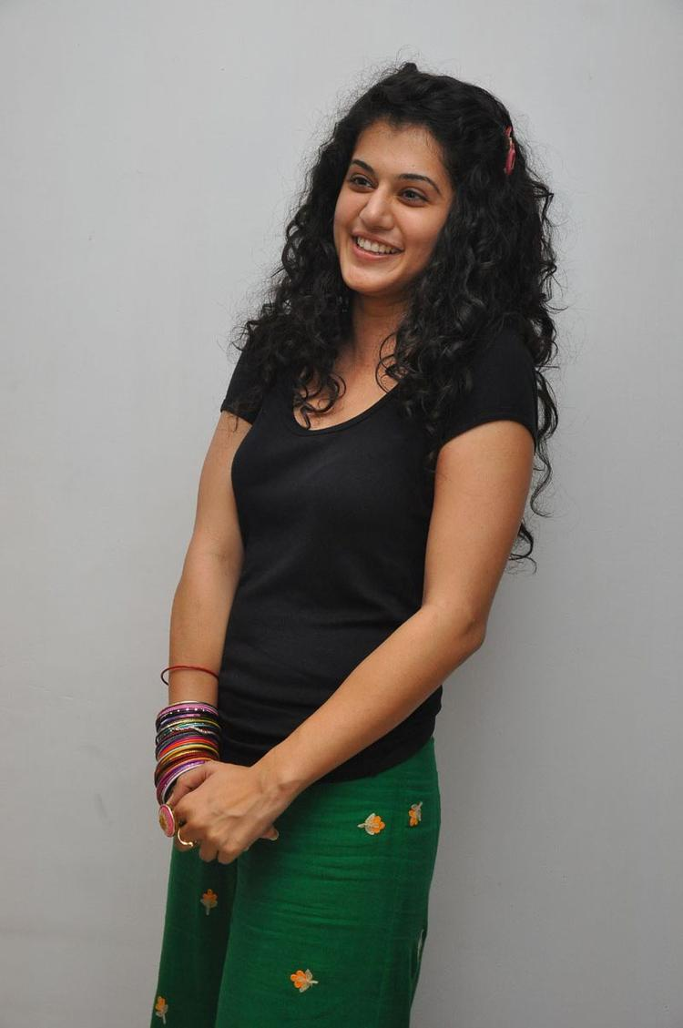 Taapsee Pannu In Traditional Dress at Gundello Godari Press Meet