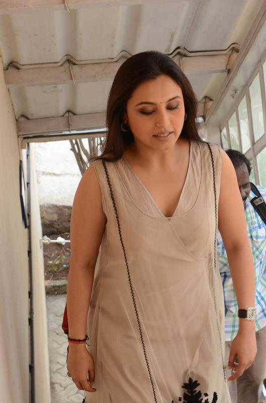 Rani Mukherjee in Sabyasachi On The Front Row With Anupama Chopra