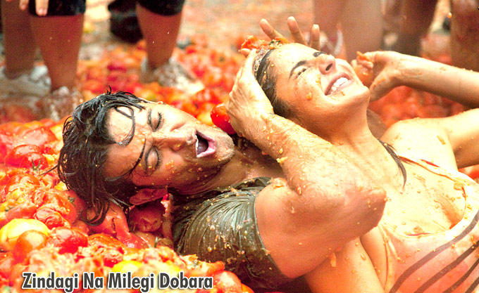 Hrithik And Katrina Funny Still From Movie Zindagi Na Milegi Dobara