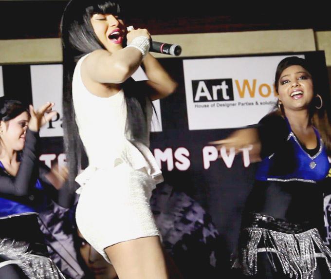 Veena Malik Rock Performance Still at The Launch Of Drama Queen Album
