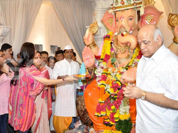 Shilpa Shetty At The Andhericha Raja Ganesh Idol