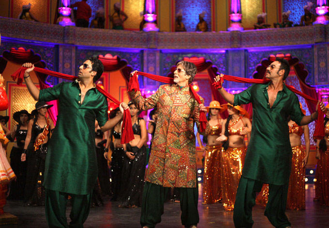 Abhishek,Amitabh And Ajay Dance Still From Bol Bachchan