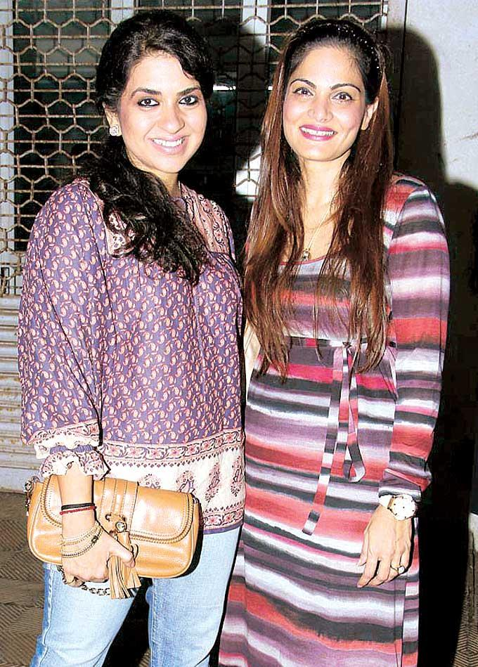 Shaina NC And Alvira Agnihotri Clicked A Pose