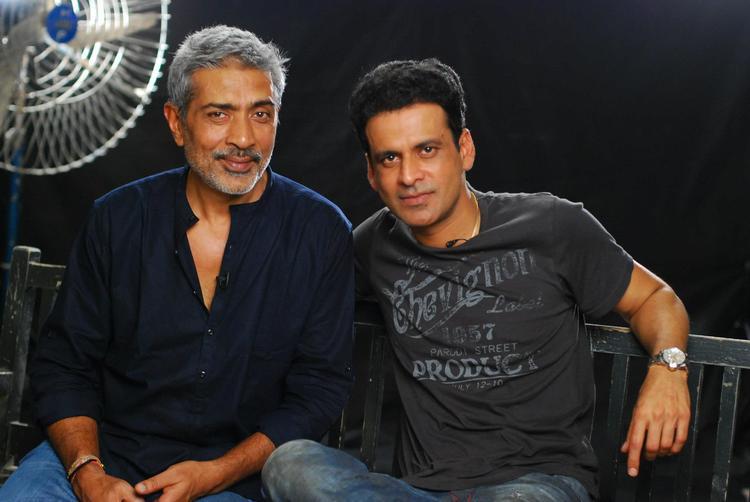 Prakash Jha and Manoj Bajpai Poses To Photo Shoot at Mehboob Studio