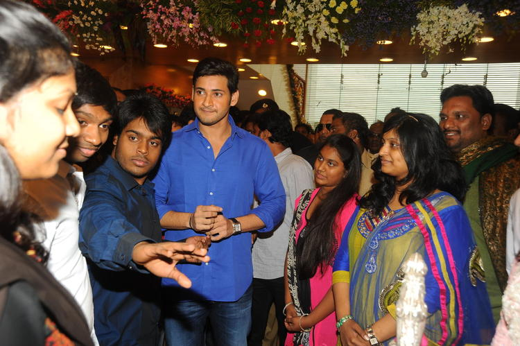 Telugu Actor Mahesh Babu launches South India Shopping Mall